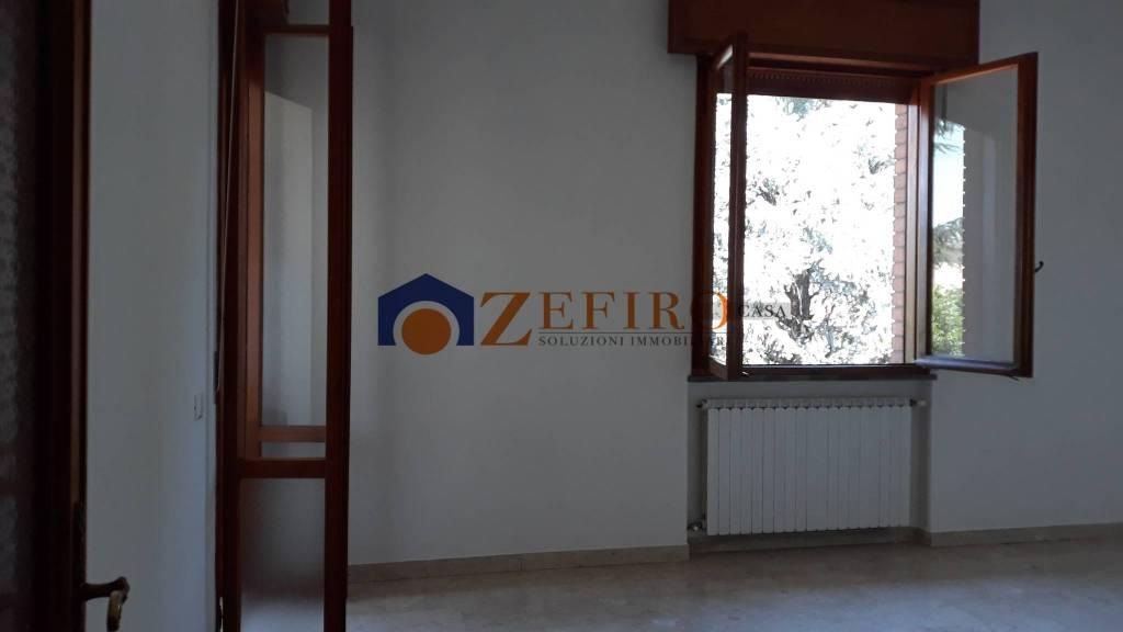 Appartamento in Affitto a Sant'Agata Bolognese Centro: 5 locali, 110 mq