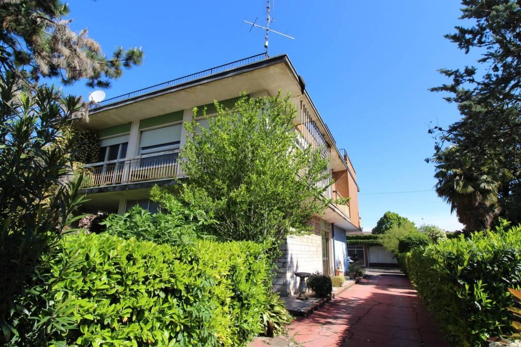 Villa in vendita a Nogarole Rocca, 10 locali, prezzo € 355.000 | CambioCasa.it