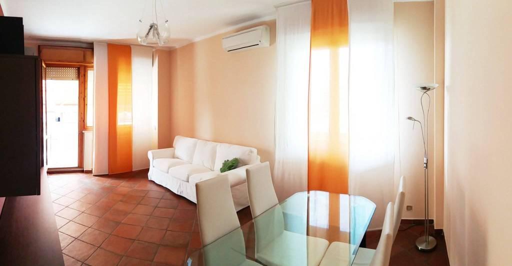 Appartamento in ottime condizioni arredato in affitto Rif. 7844866