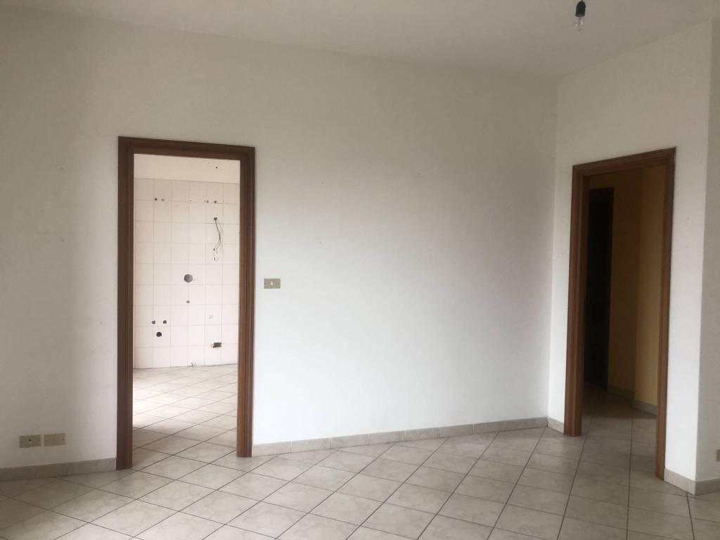 Appartamento in ottime condizioni in affitto Rif. 8371466