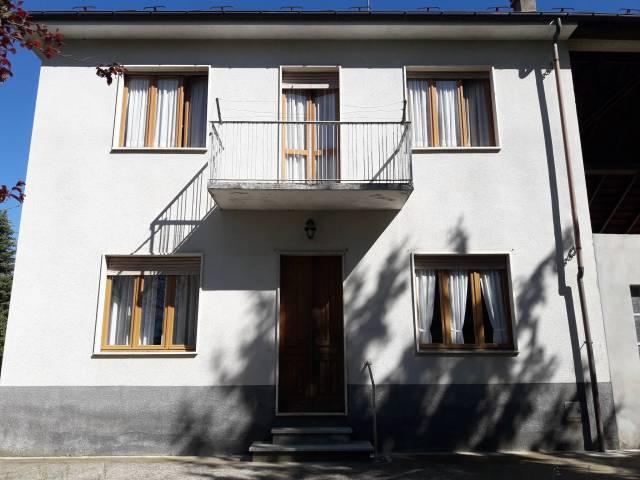 Foto 1 di Villa Frazione Valleandona 4, Asti