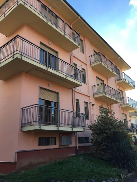 Appartamento in buone condizioni in affitto Rif. 4818597