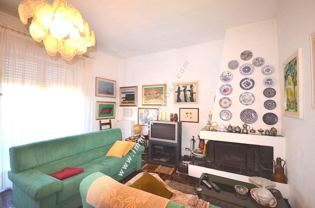 Villa in Vendita a Rosignano Marittimo: 5 locali, 120 mq