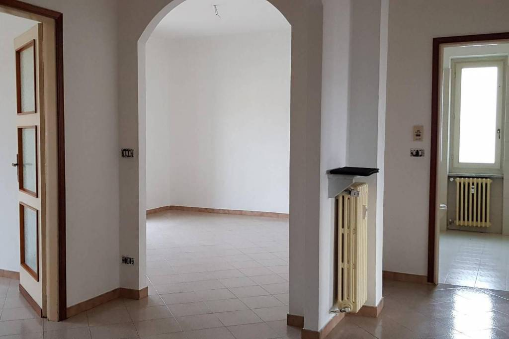 Vendesi appartamento mq. 120 San Damiano d'Asti