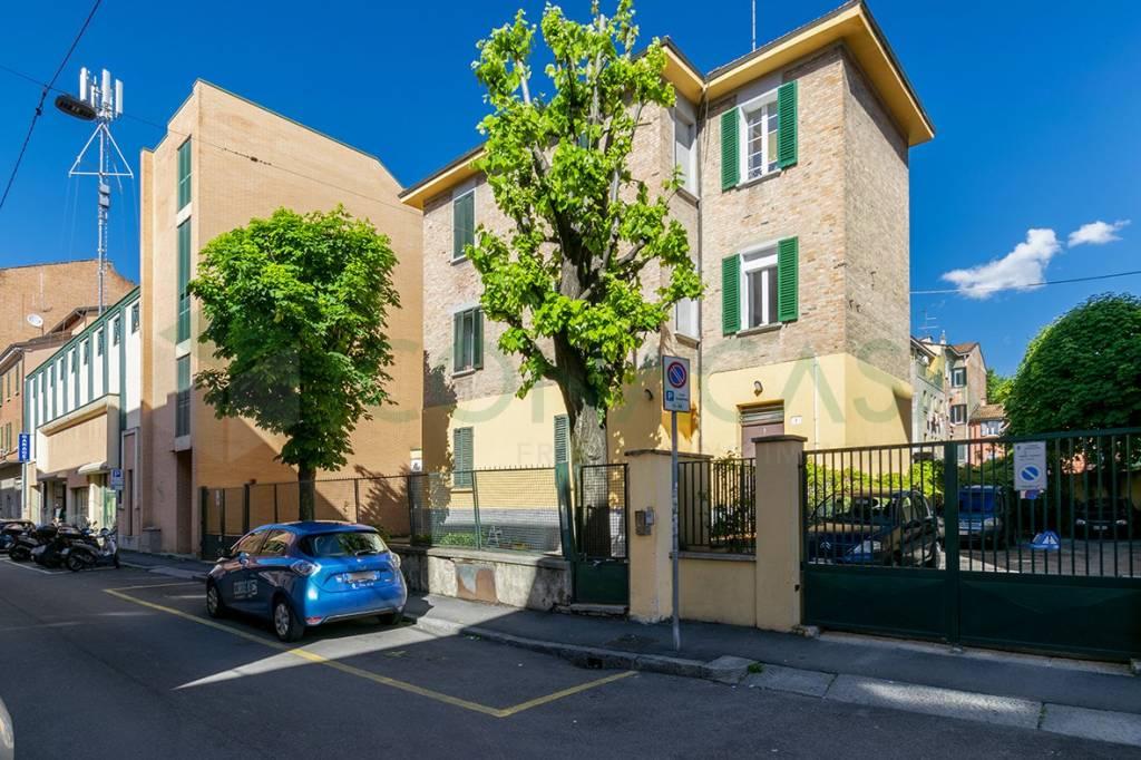 Foto 1 di Quadrilocale via Mario De Maria, Bologna (zona Bolognina)