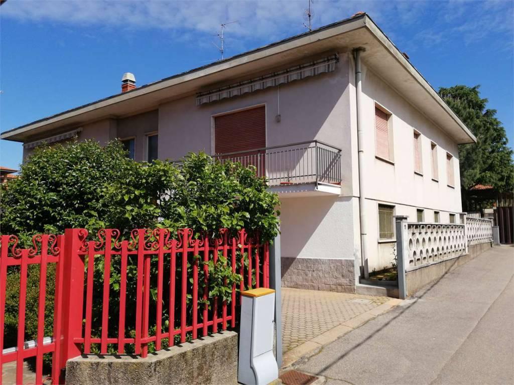 Foto 1 di Villa vicolo sardegna, 11, Lomazzo