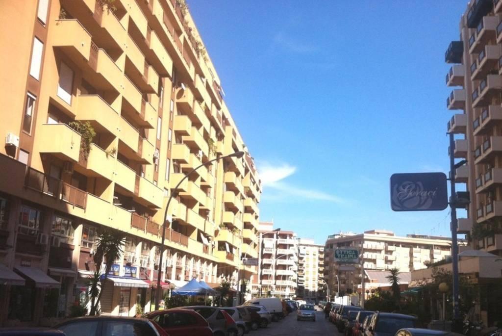 Posto-box auto in Affitto a Palermo Semicentro: 2 locali, 45 mq
