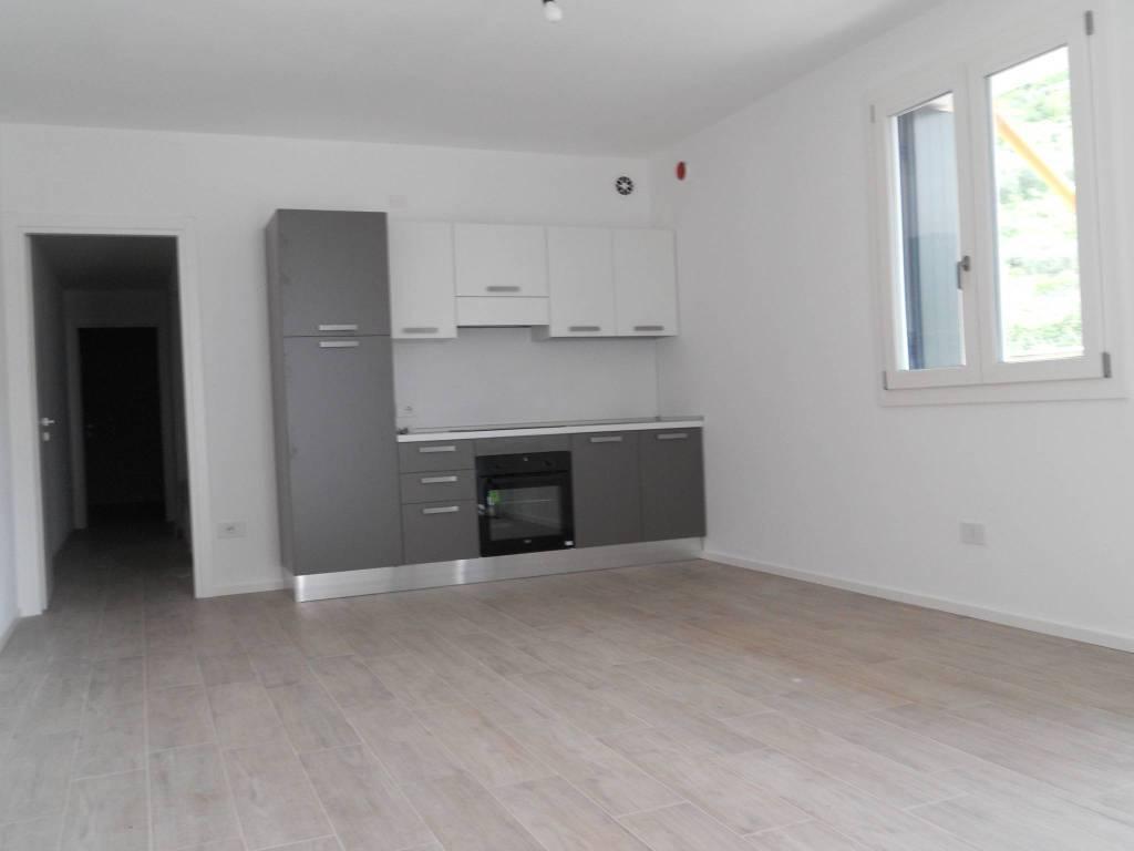 Appartamento in affitto a Sant'Ambrogio di Valpolicella, 3 locali, prezzo € 800 | CambioCasa.it