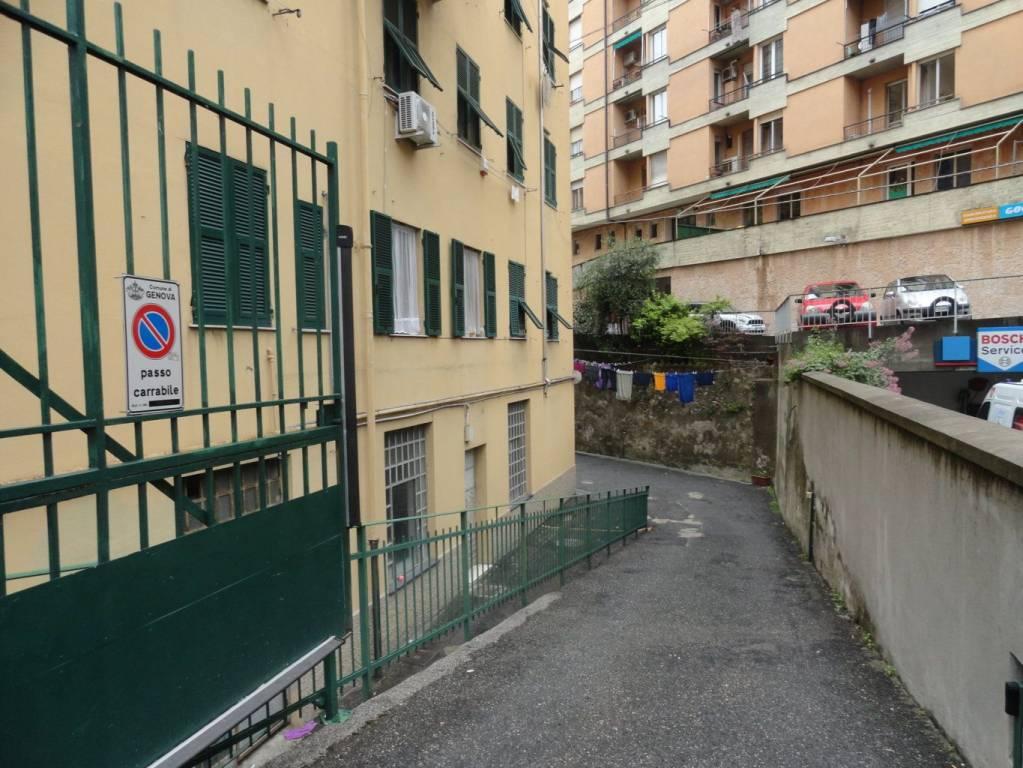 Foto 1 di Box / Garage via Fereggiano 2, Genova (zona Marassi-Staglieno)