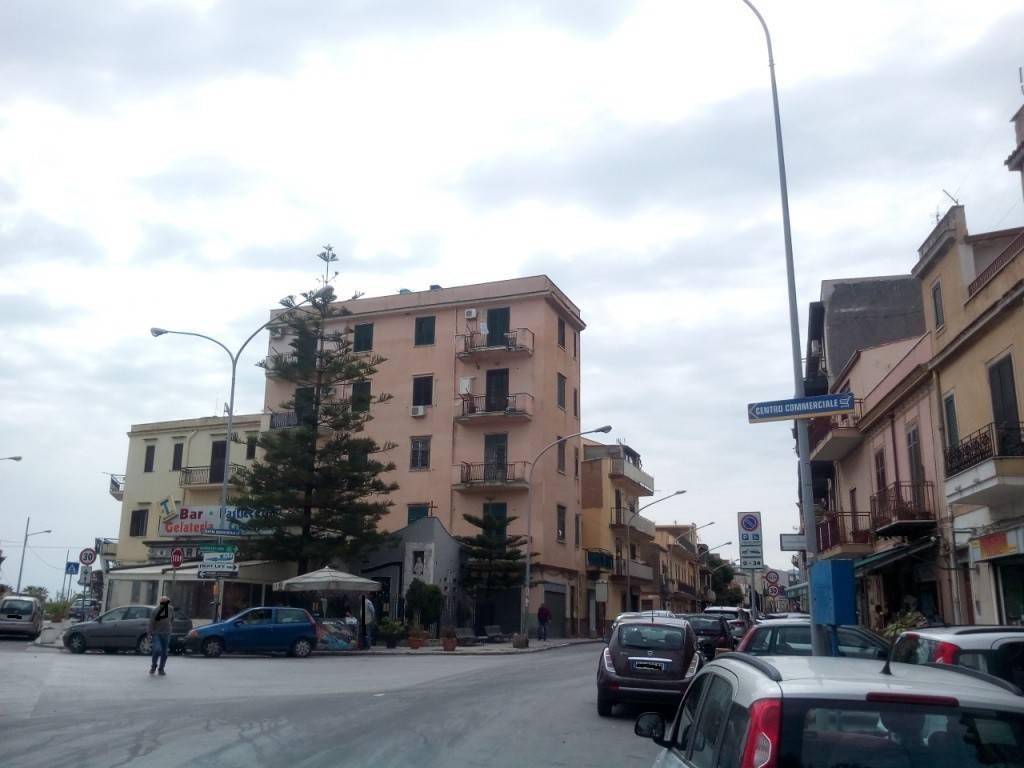 Appartamento in Vendita a Palermo Periferia:  3 locali, 90 mq  - Foto 1