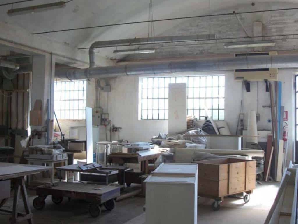 Laboratorio in vendita a Caluso, 6 locali, prezzo € 140.000 | CambioCasa.it