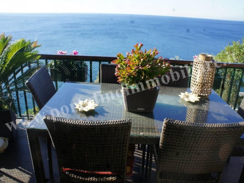 Foto 1 di Appartamento via Chiappa, Pieve Ligure
