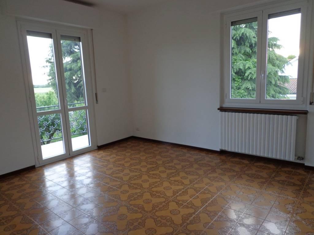 Appartamento in affitto a Torre d'Isola, 3 locali, prezzo € 550 | PortaleAgenzieImmobiliari.it