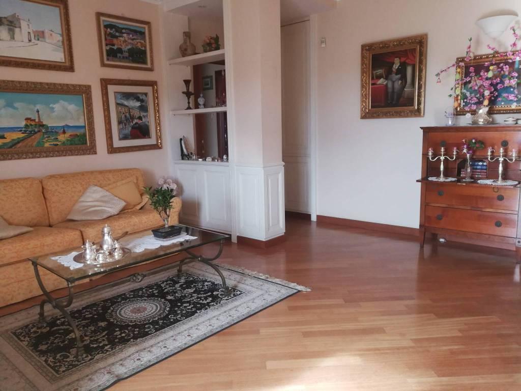 Appartamento in vendita via Antonio De Curtis 17 Bari
