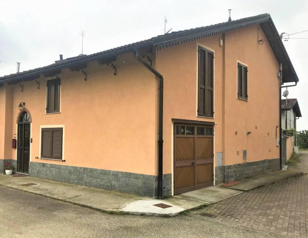 Foto 1 di Villa via Tetti Grandi 36, Carmagnola