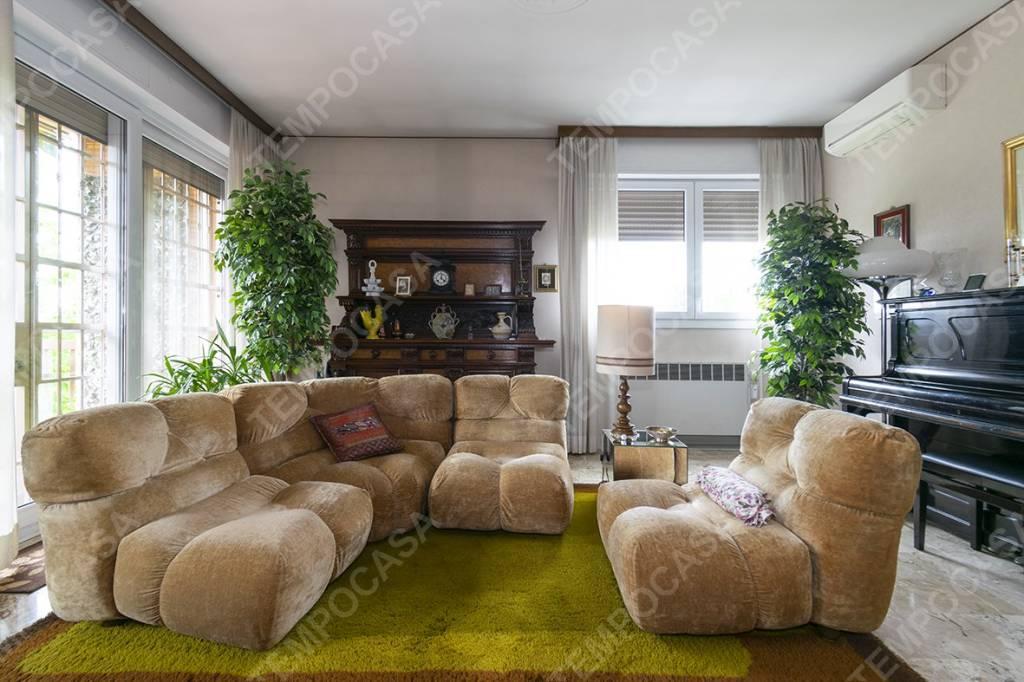 Foto 1 di Appartamento viale Felsina, Bologna (zona San Vitale - Massarenti)