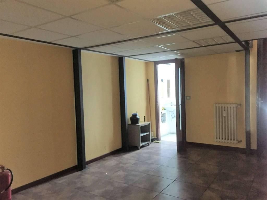 Negozio in vendita Zona Parella, Pozzo Strada - via Monginevro 246 Torino