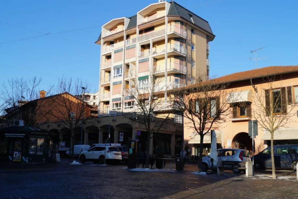 Appartamento in affitto a Sesto Calende, 4 locali, prezzo € 600 | CambioCasa.it