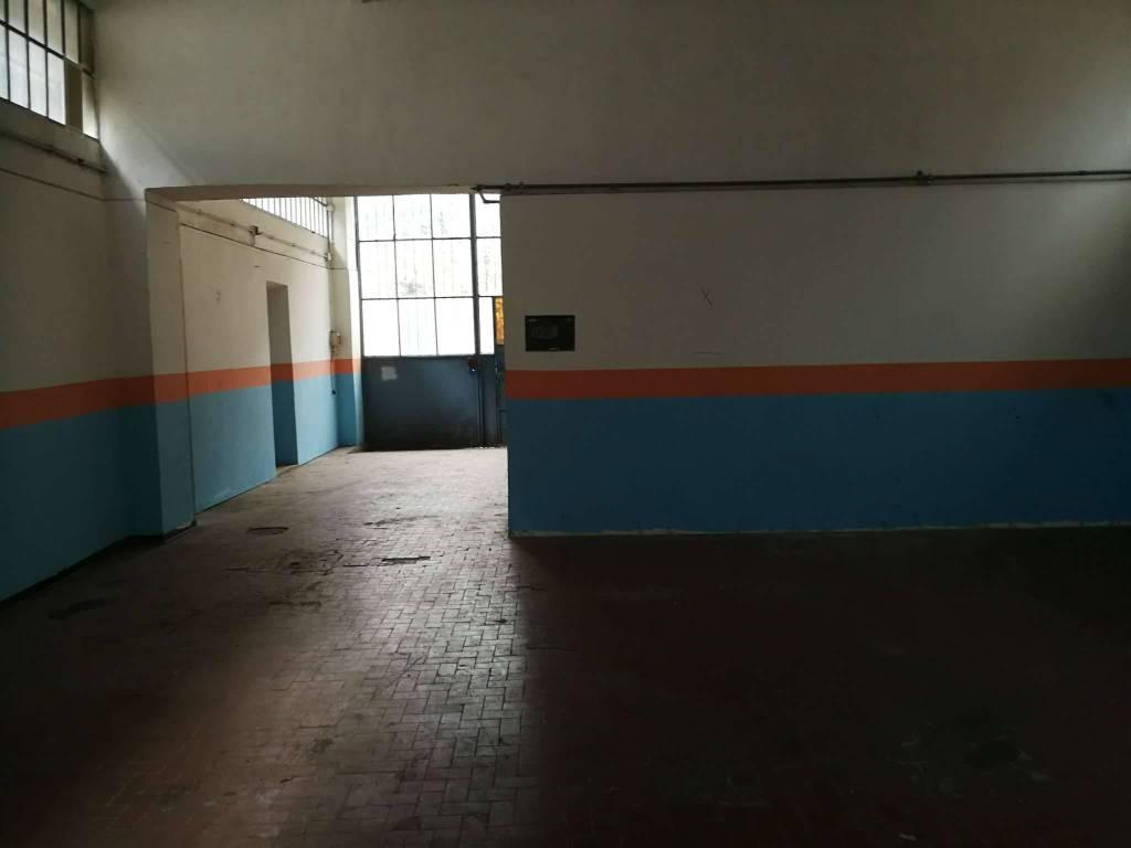 Laboratorio in affitto a Avigliana, 5 locali, prezzo € 750 | CambioCasa.it