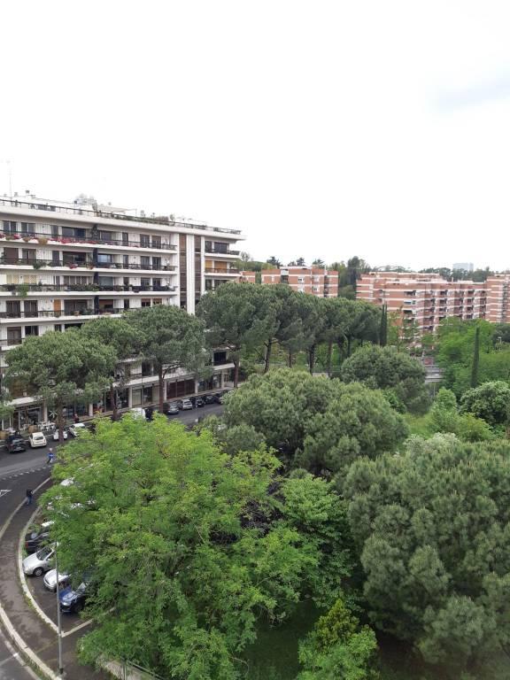 Appartamento in vendita a Roma, 4 locali, zona Zona: 21 . Laurentina, prezzo € 385.000 | CambioCasa.it