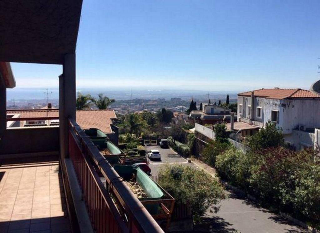 Appartamento in Vendita a Sant'Agata Li Battiati Centro: 5 locali, 140 mq