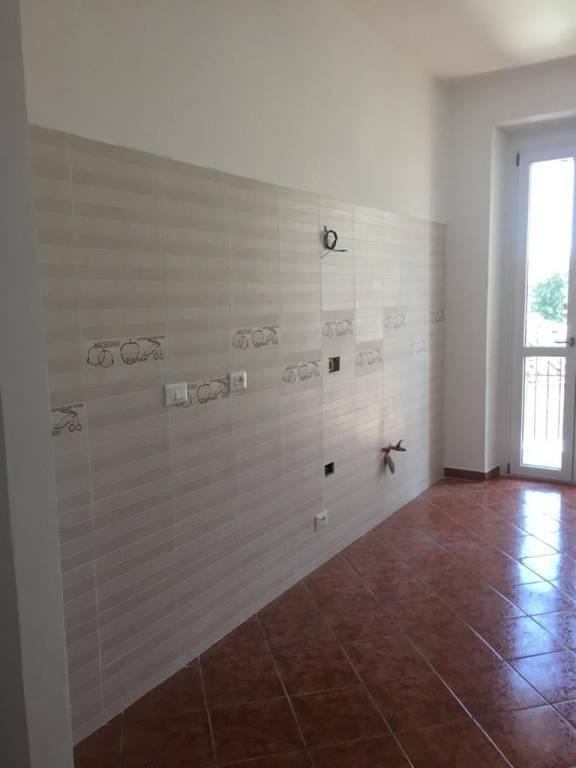Foto 1 di Trilocale via Pianezza 46, Torino (zona Lucento, Vallette)