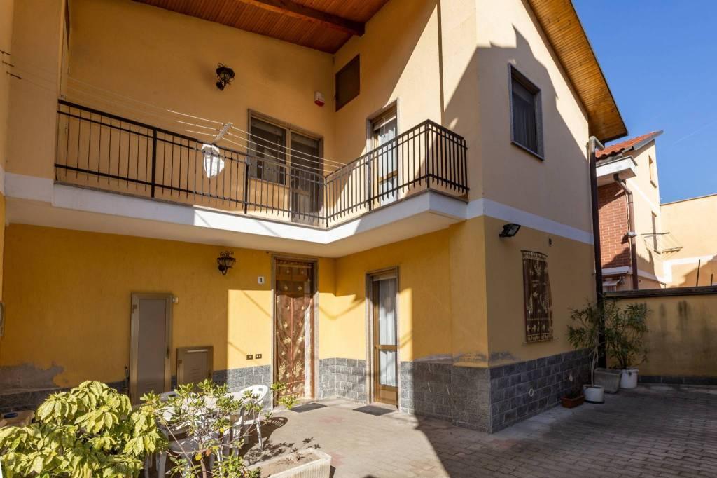 Foto 1 di Casa indipendente strada Comunale di Bertolla 83, Torino (zona Barriera Milano, Falchera, Barca-Bertolla)