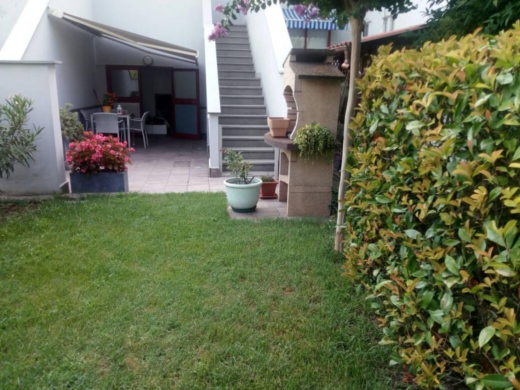 Appartamento in buone condizioni in vendita Rif. 7576376
