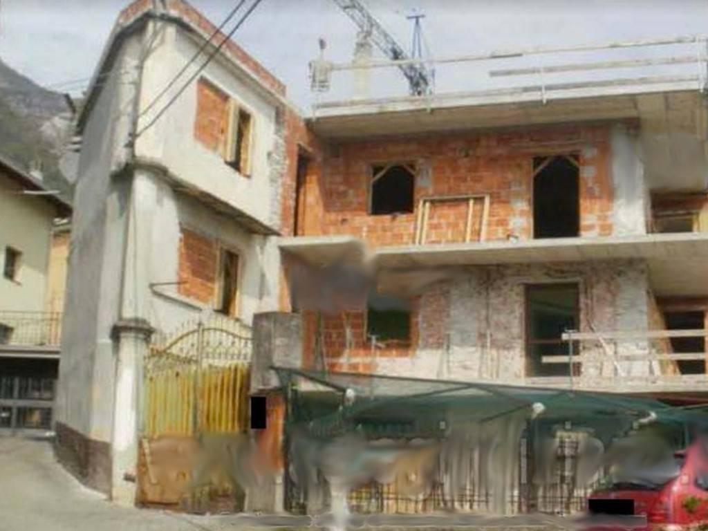 Palazzo / Stabile in vendita a Quincinetto, 9 locali, prezzo € 36.000 | PortaleAgenzieImmobiliari.it
