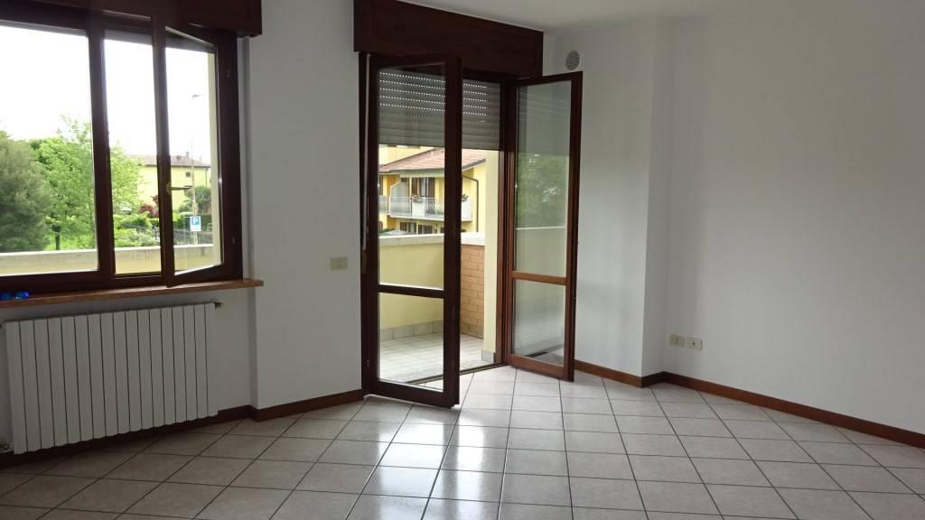 Appartamento in affitto a Pedrengo, 2 locali, prezzo € 550 | CambioCasa.it