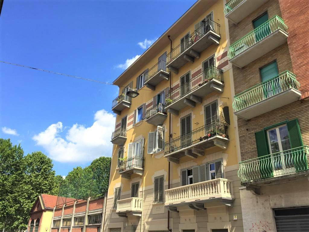 Foto 1 di Trilocale via Michele Buniva 26, Torino (zona Vanchiglia, Regio Parco)