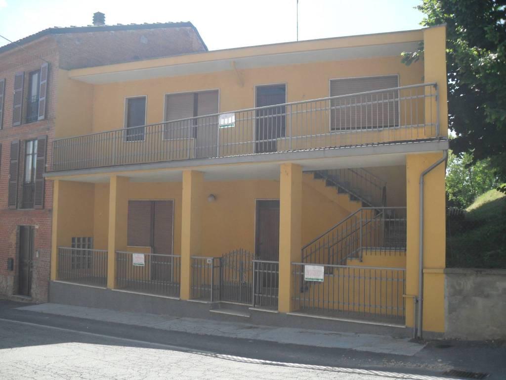 Foto 1 di Villa corso Giacomo Matteotti 60, Portacomaro