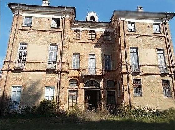 Palazzo / Stabile in vendita a Montalenghe, 27 locali, prezzo € 420.000 | CambioCasa.it
