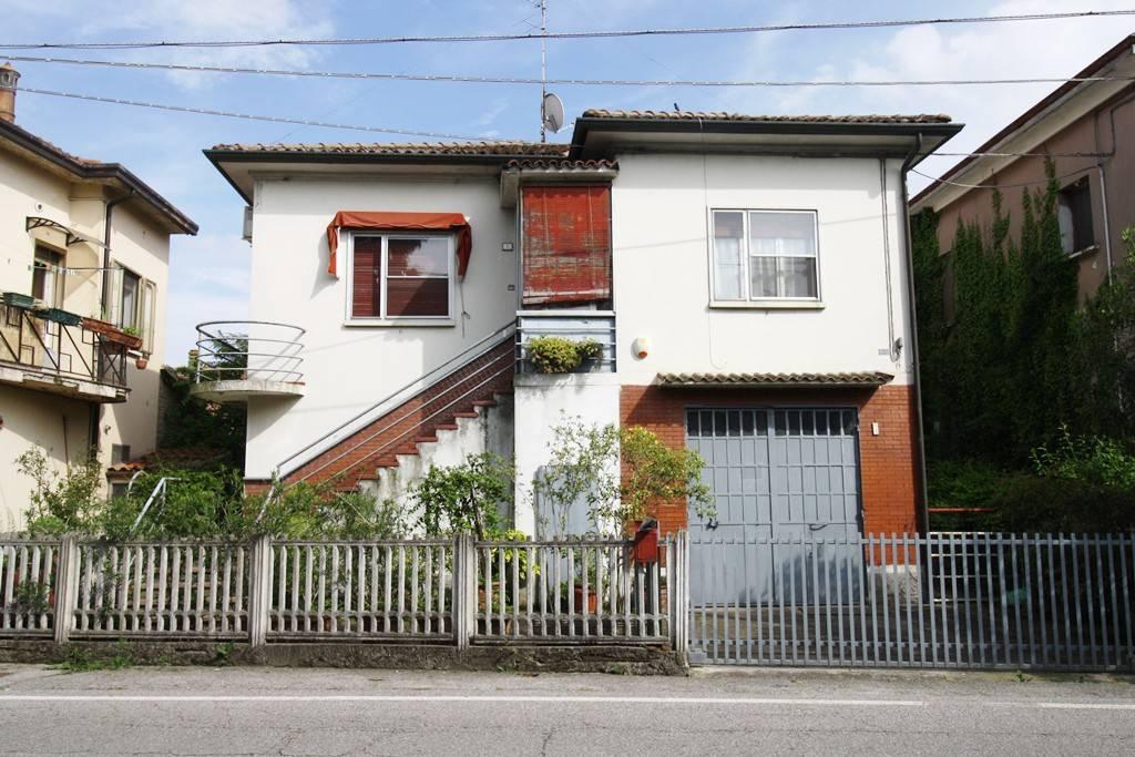 Foto 1 di Villa viale Zenzalino 28, Argenta
