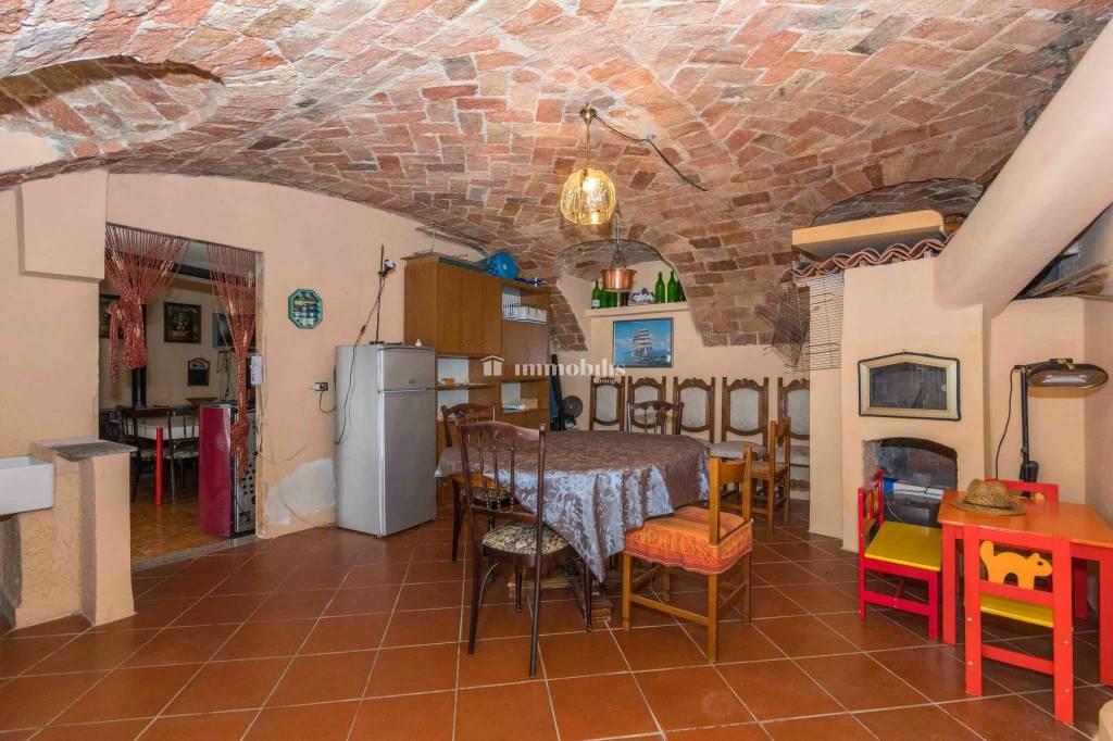 Foto 1 di Villa via Seminenga 15, Moncestino