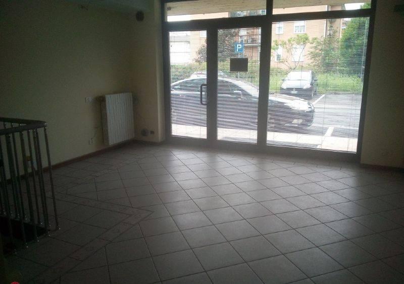 Ufficio / Studio in affitto a Stezzano, 1 locali, prezzo € 300 | CambioCasa.it