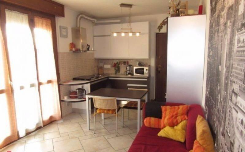 Appartamento in vendita a Zanica, 2 locali, prezzo € 95.000 | CambioCasa.it