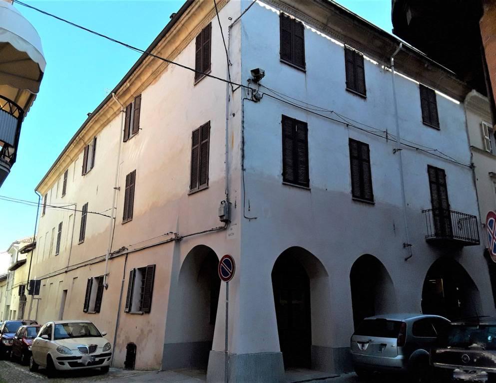 Foto 1 di Palazzo / Stabile corso Roma 13, San Damiano D'asti