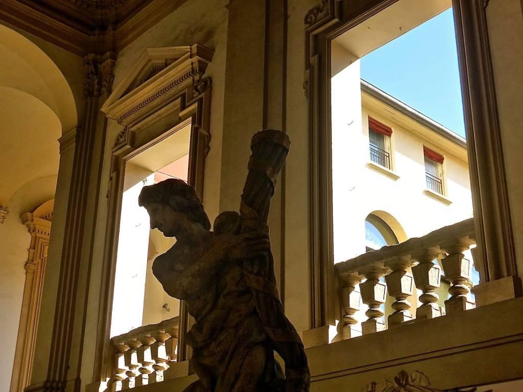 Appartamento in buone condizioni arredato in affitto Rif. 9315934