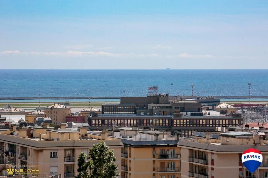 Foto 1 di Appartamento via Sigismondo Muscola, 37, Genova (zona Sestri Ponente)