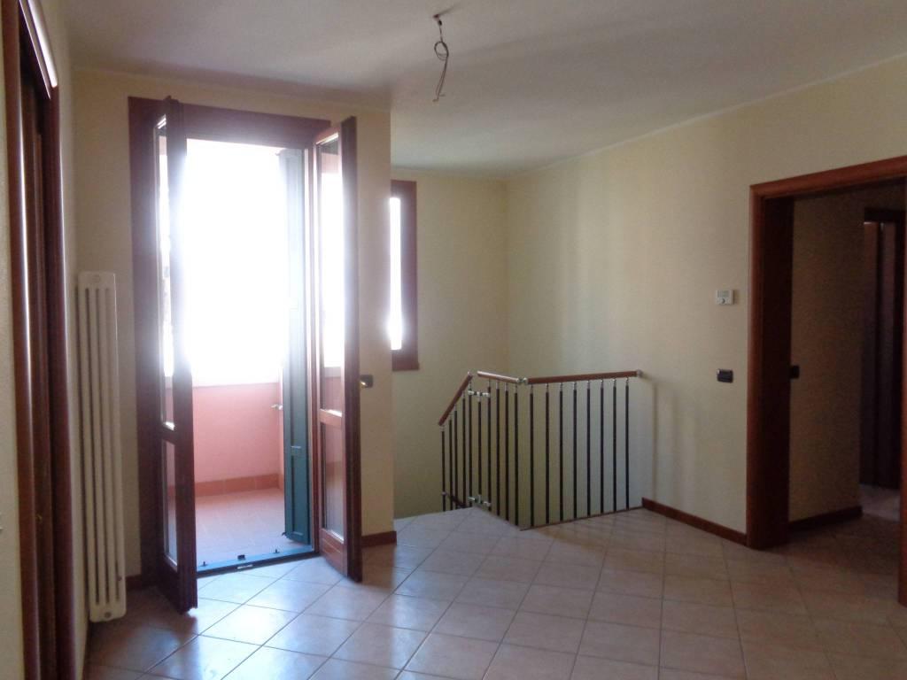 Appartamento in Vendita a Rolo: 3 locali, 117 mq