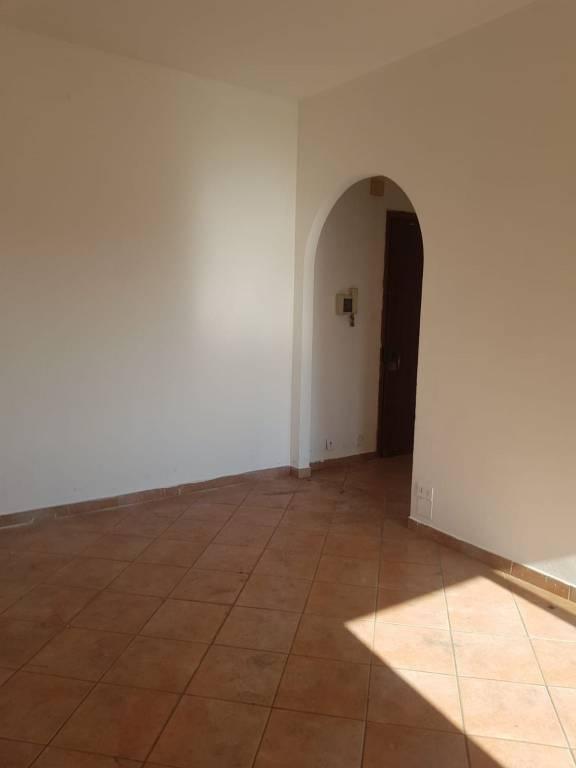 Appartamento da ristrutturare in vendita Rif. 8402049