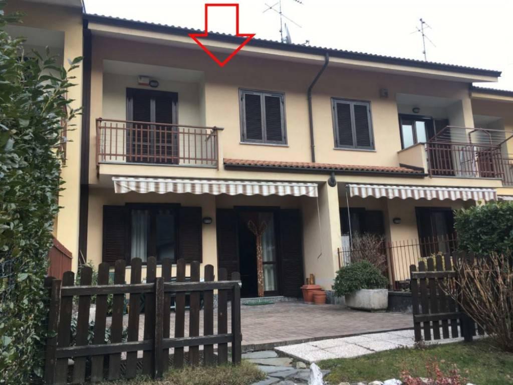 Villa a Schiera in vendita a Pinasca, 6 locali, prezzo € 86.000 | CambioCasa.it
