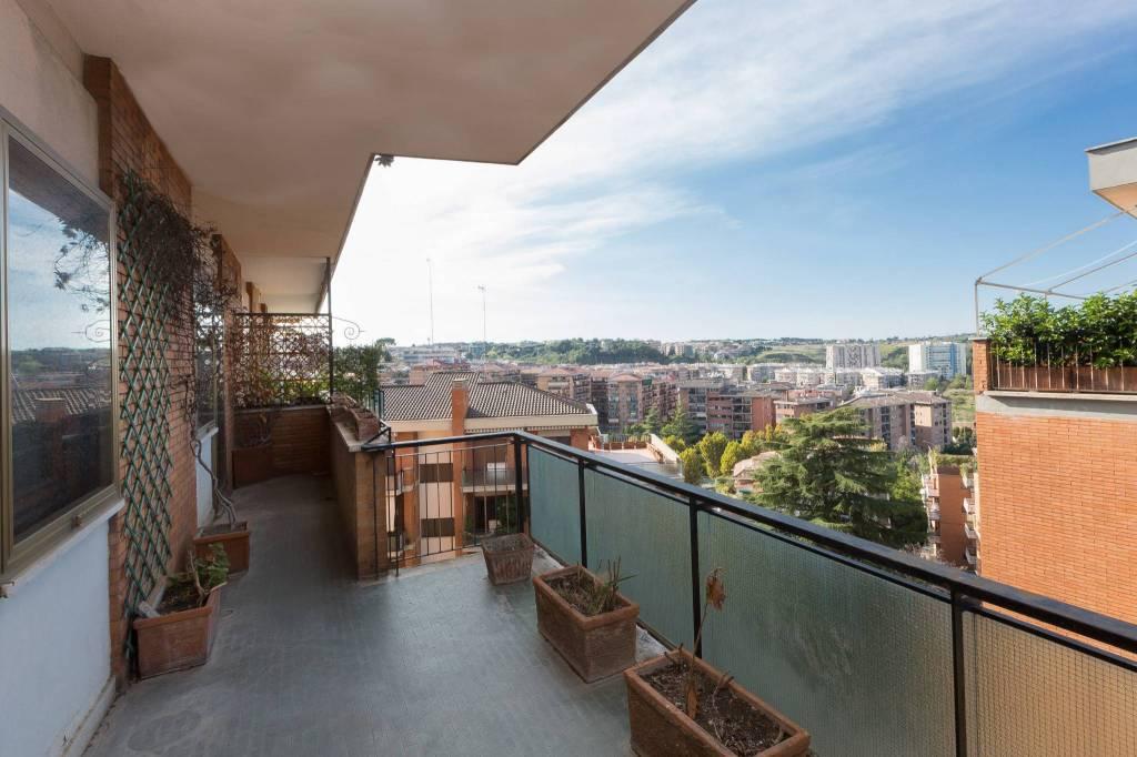Appartamento in vendita a Roma, 4 locali, zona Zona: 26 . Gregorio VII - Baldo degli Ubaldi, prezzo € 595.000   CambioCasa.it