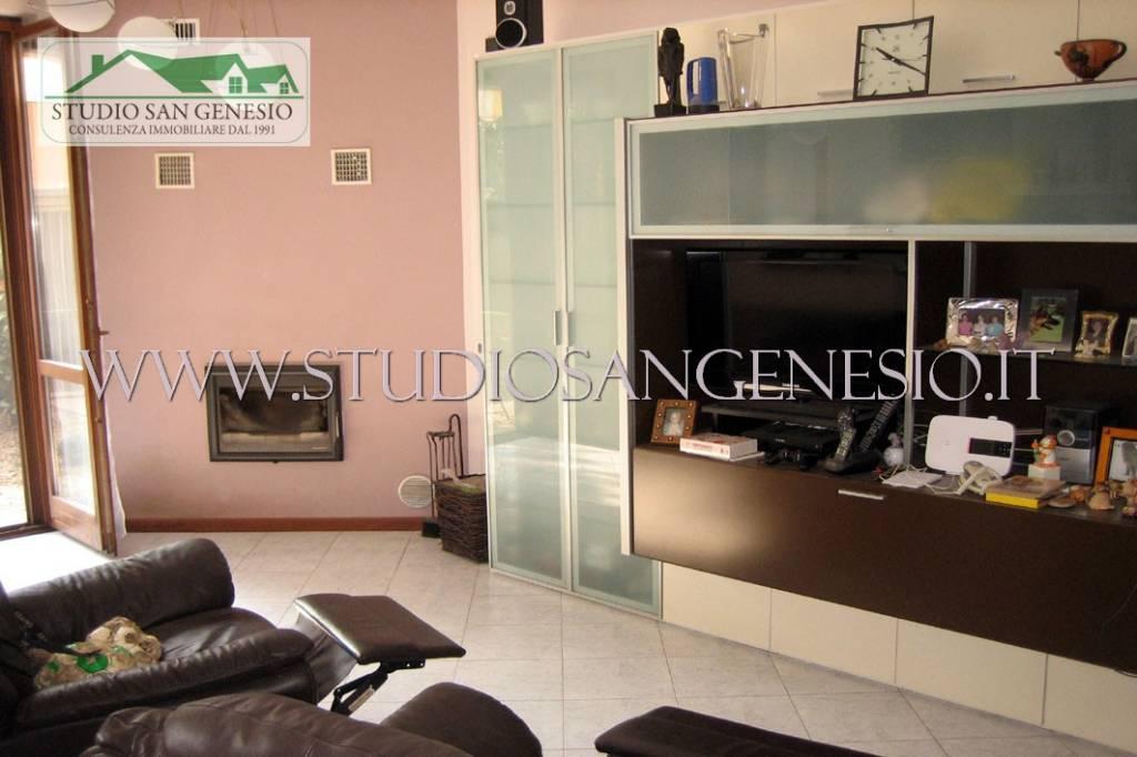 Villa a Schiera in vendita a Vistarino, 4 locali, prezzo € 115.000   CambioCasa.it