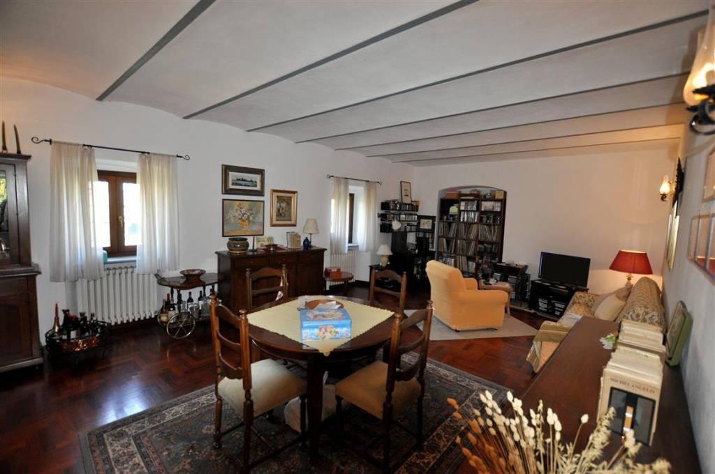 Foto 1 di Rustico / Casale Borgata Piancerretto, Dogliani