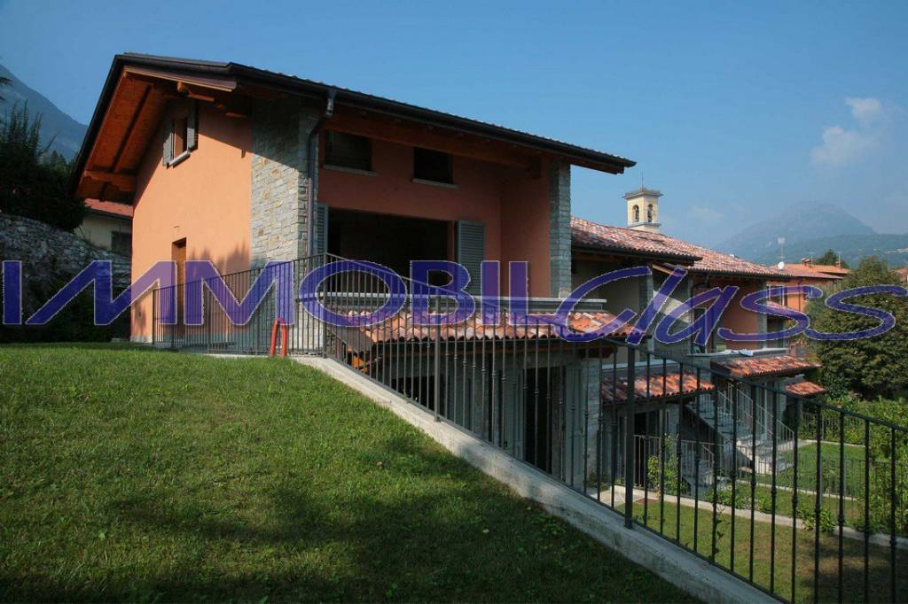 Villa in vendita a Menaggio, 4 locali, prezzo € 420.000 | PortaleAgenzieImmobiliari.it