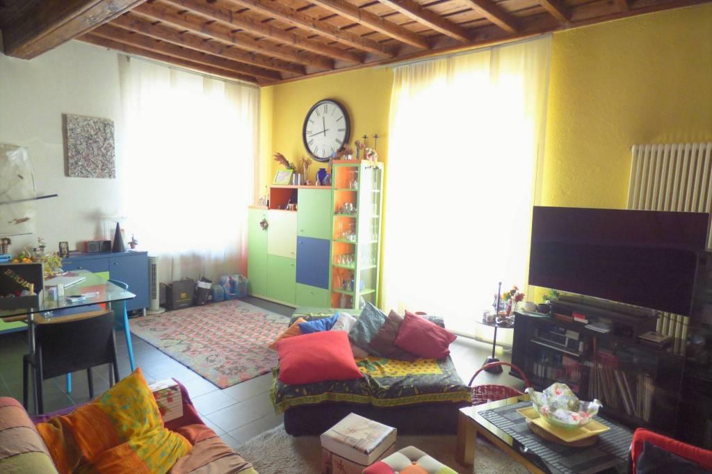 Cuneo, Via Roma, appartamento due livelli di rara bellezza via Roma