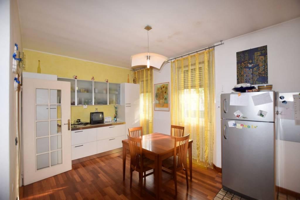 Foto 1 di Appartamento via Roma, Montebelluna