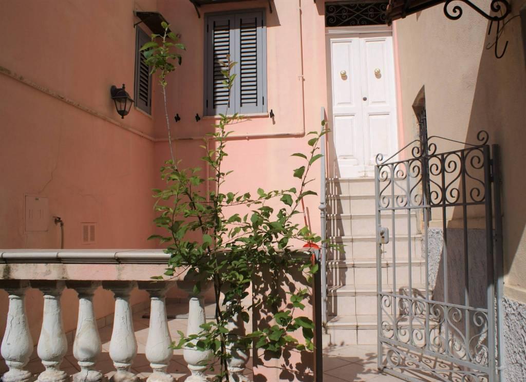 Appartamento in vendita a Gaeta, 4 locali, Trattative riservate | PortaleAgenzieImmobiliari.it